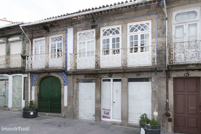 Moradia pleno centro da cidade de Penafiel para remodelar