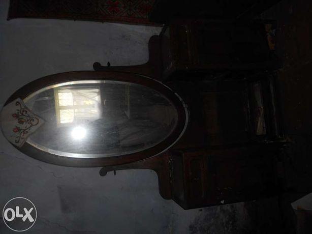 Антикварне дзеркало