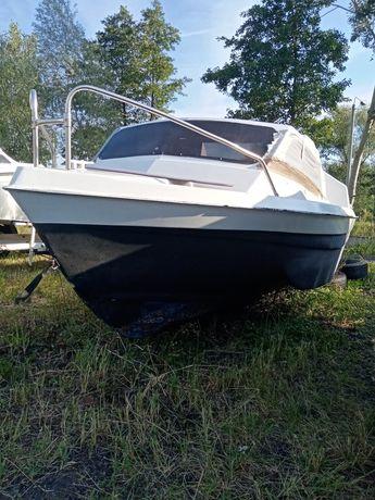 Sprzedam łódź kabinową motorową wędkarska