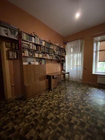 Квартира 4-х комн. Колонтаевская