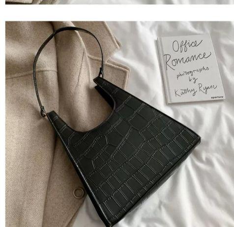Сумка сумочка на коротком ремешке