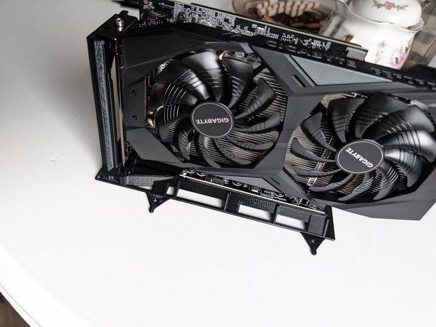 Stojak karty GPU do kopania kryptowalut pod riser