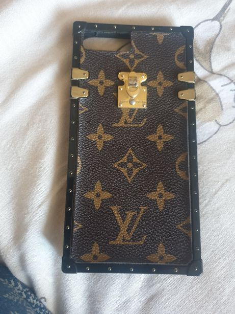 Продам чехол на айфон 7 плюс Loui Vuitton