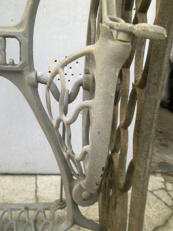Станина от швейной машинки чугунная отличное состояние