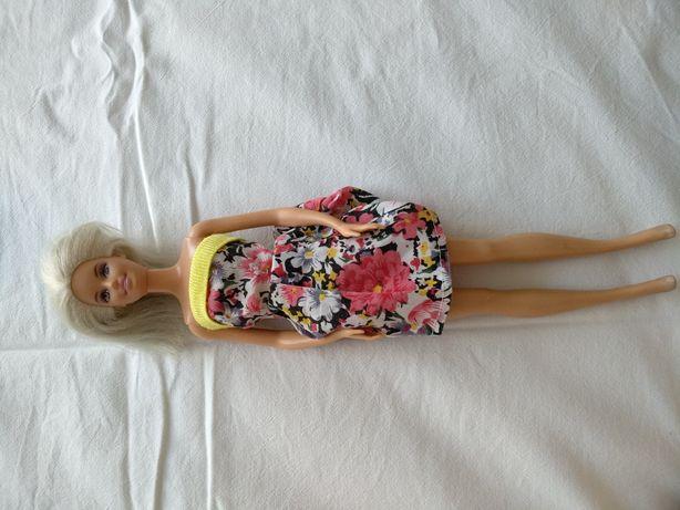 Кукла Барби мател