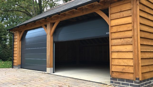Секційні гаражні ворота від європейського виробника