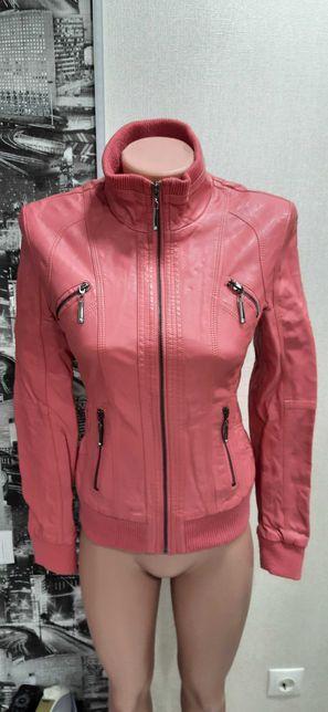 Продам курточки в хорошем состоянии