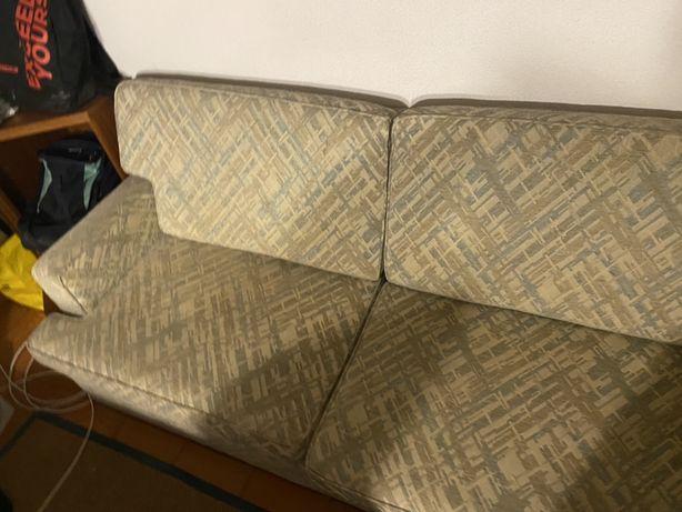 Vendo sofa de 2 lugares em tecido