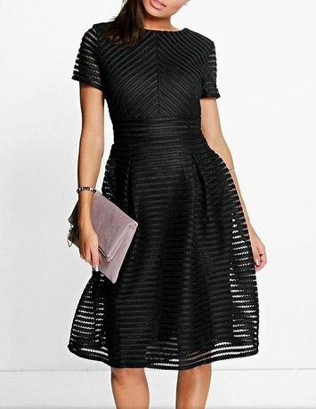 Ażurowa sukienka Boohoo