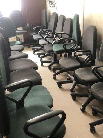 РАСПРОДАЖА офисные столы кресла тумбы шкафы кресла компьютерные