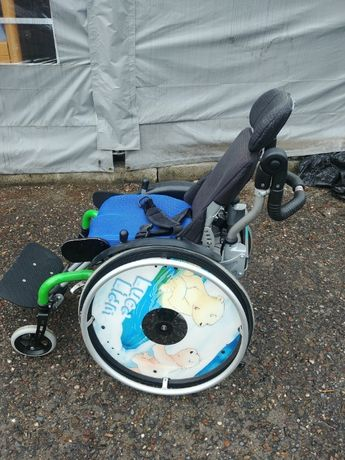 Wózek dziecięcy inwalidzki Hoggi szer 25 niebieski