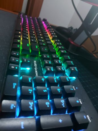 Teclado mecânico switch azul mars gaming com NumPad