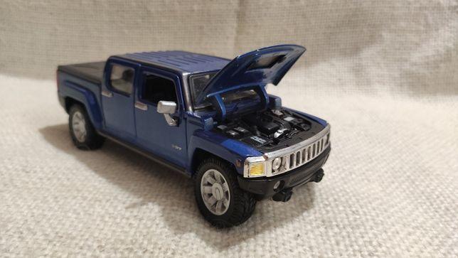 Модель Hummer H3T 1.24-1.26 Maisto Blue