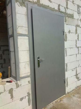Двери входные металлические, бронедвери ,решетки на окна, тамбуры