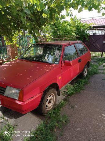 Автомобиль ваз 21083