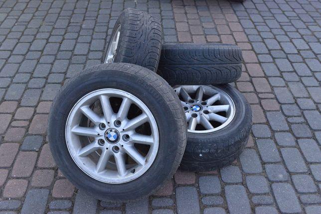 Felgi aluminiowe BMW z oponami 205/60 R15 4 szt.