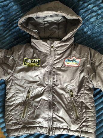 Демисезонная куртка на мальчика. Рост 104