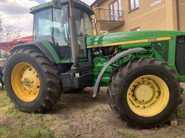 John Deere 8400 8300 Трактор Джон дир В хорошем состоянии