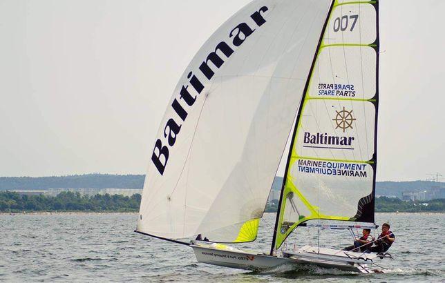 Jacht żaglowy 49er żaglówka