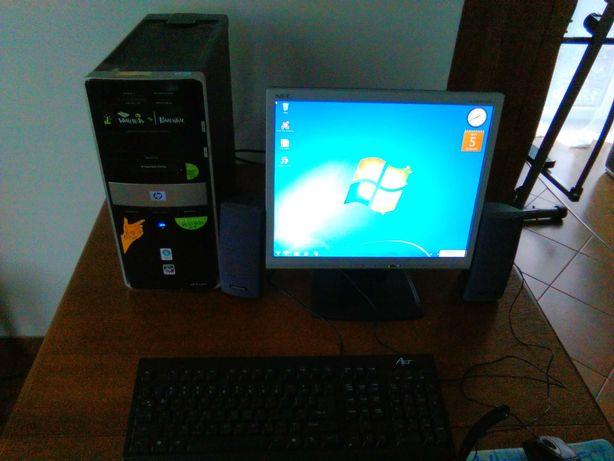 Zestaw komp,Hp pavilion moni,NEC LCD klawi,mysz głoś,Creative mikrofon