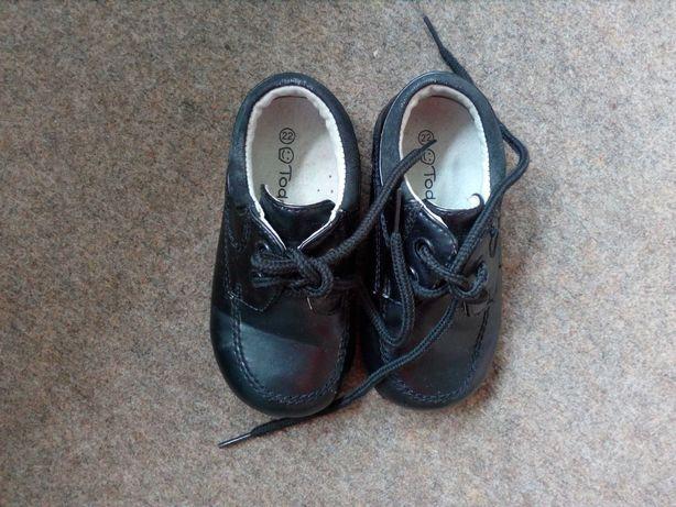Pantofle chłopięce, buty roz. 22