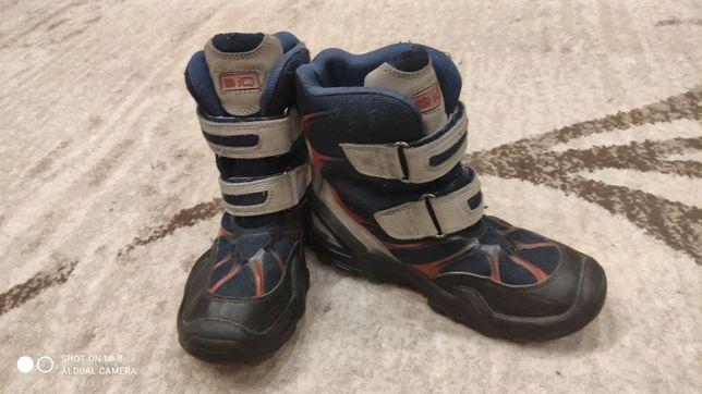 Зимние ботинки на мальчика (р.30)
