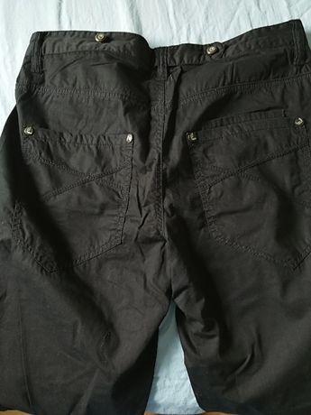Casualowe spodnie Reserved, r. W32