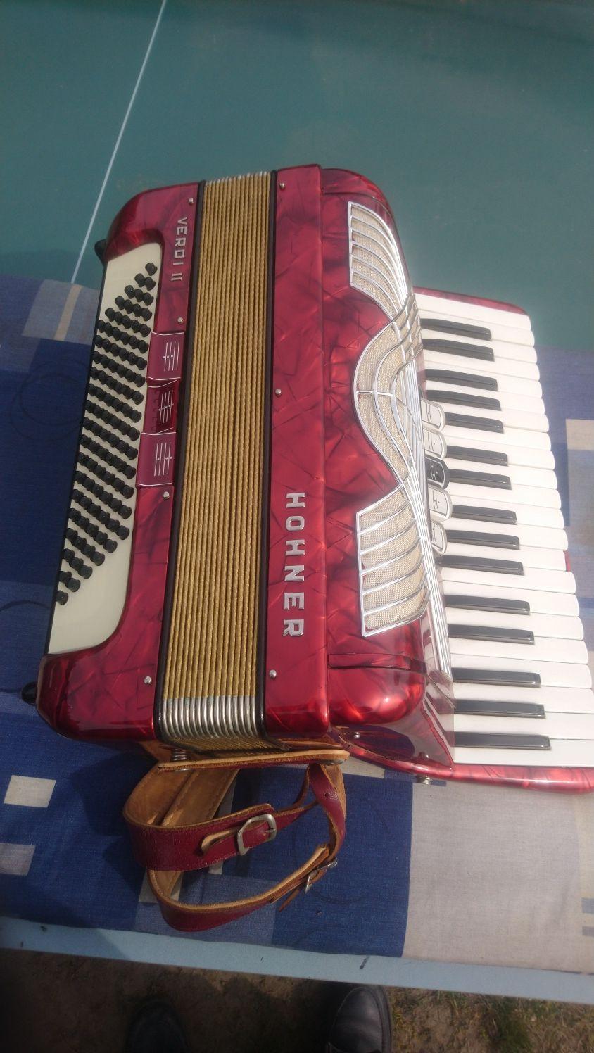 Akordeon renomowanej Niemieckiej firmy Hohner Verdi ll 96 basów 3 Chó