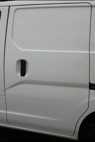 Nissan nv 200 двері, радіатор