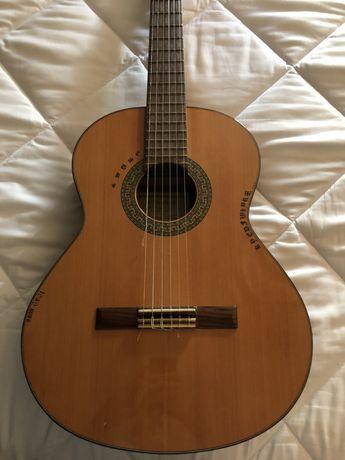 Guitarra clássica Alhambra 3C + extras