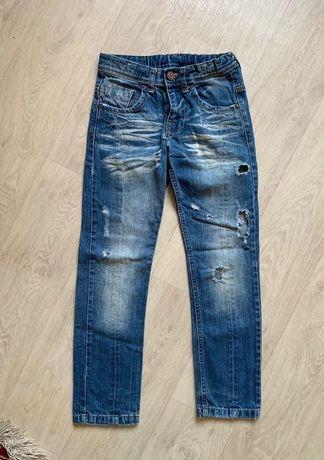 Модные рваные джинсы Zara для мальчика на 7-9 лет