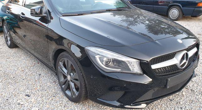 Mercedes CLA W117 Błotnik prawy przód oryginał