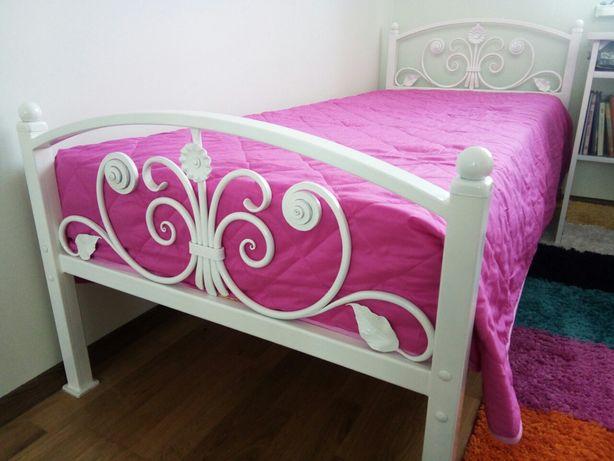 Ковка.Кровать , камин, картини,панно, декор.