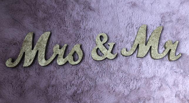 Napis mrs & mr