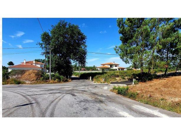 Terreno com 1290m2 de área para construção de moradia - V...