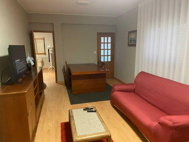 Apartamento remodelado 2 quartos vagos