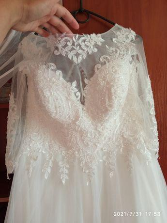 Весільна сукня 48-50р (айворі)