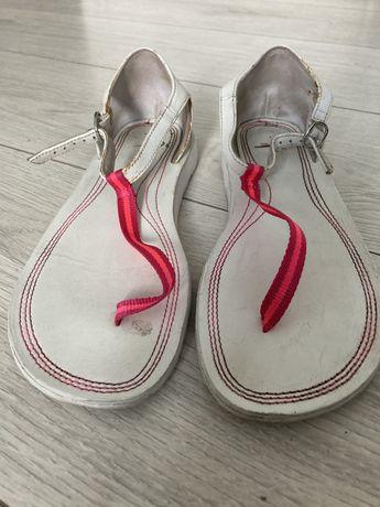 Sandały Nike roz. 36,5
