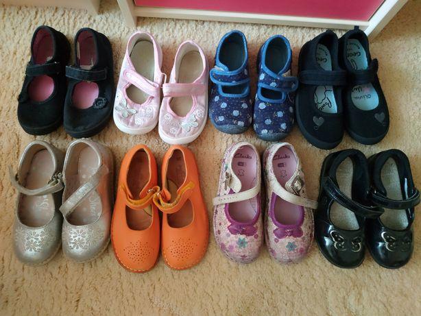 Обувь для девочки. Читайте описание.