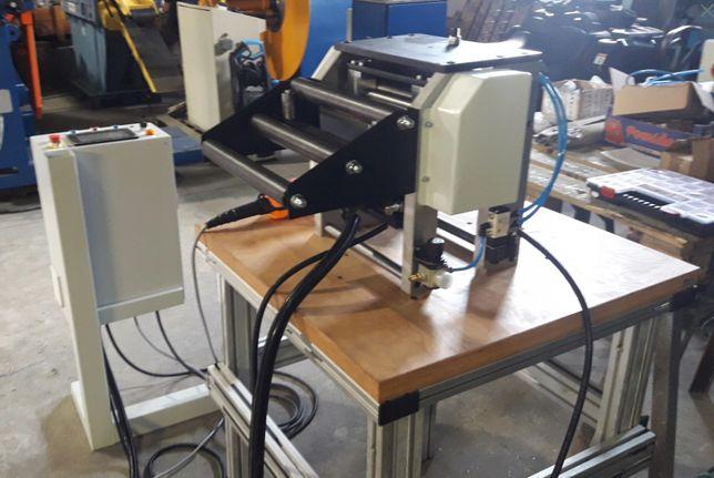 Podajnik walcowy servo do blachy 300 mm