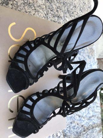 Sandália em pele (Samelli)