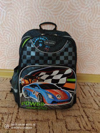 Школьный фирменный рюкзак