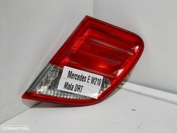 Farolim da mala Dto Usado MERCEDES-BENZ/E-CLASS (W210) 2do modelo  05.96 - 03.02...