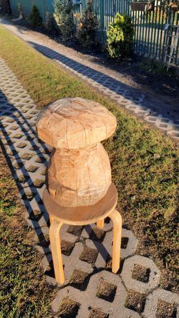 Rzeźby z drewna grzybki