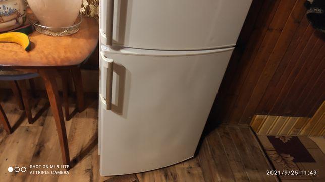 Холодильник Whirlpool 2-х камерный