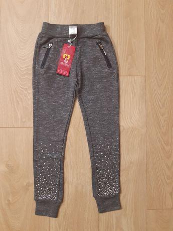 Nowe spodnie 134/140