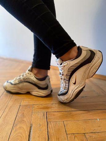 Кросівки Nike жіночі