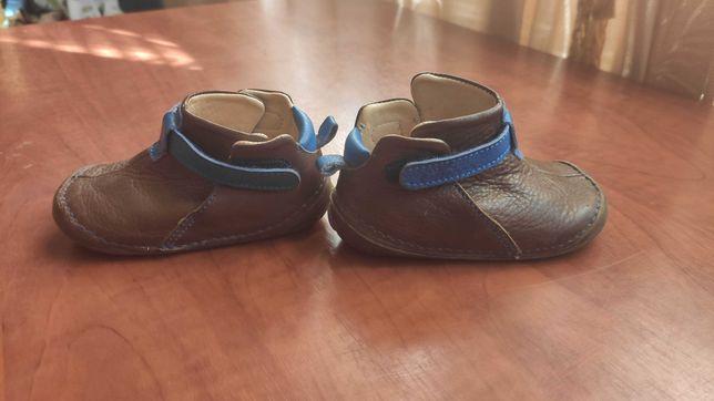 Пинетки ботинки кроссовки  chicco