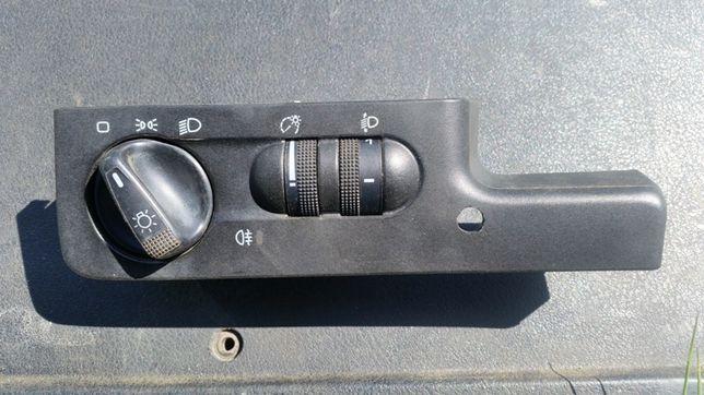 Przełącznik świateł Passat b4