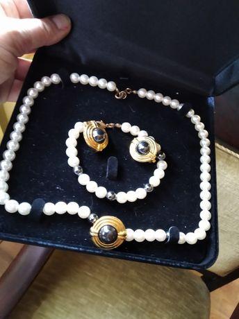 Vintage retro z perłami pozłacany